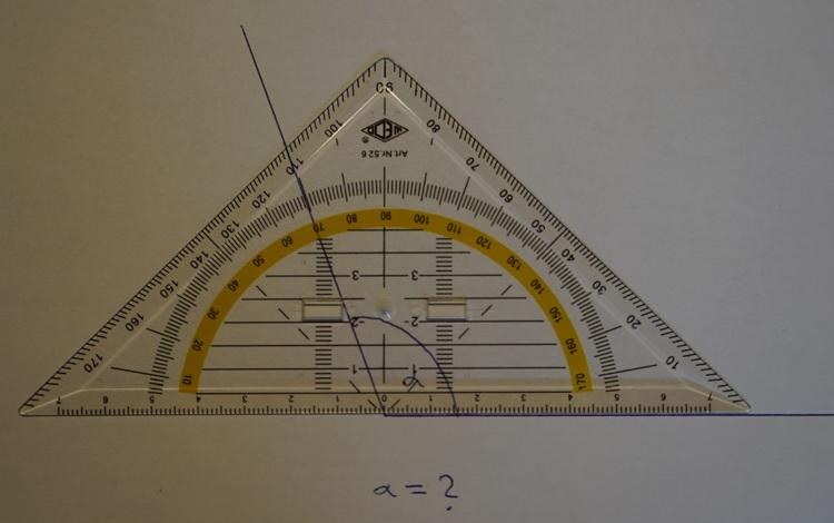 Winkel messen mit einem Geodreieck